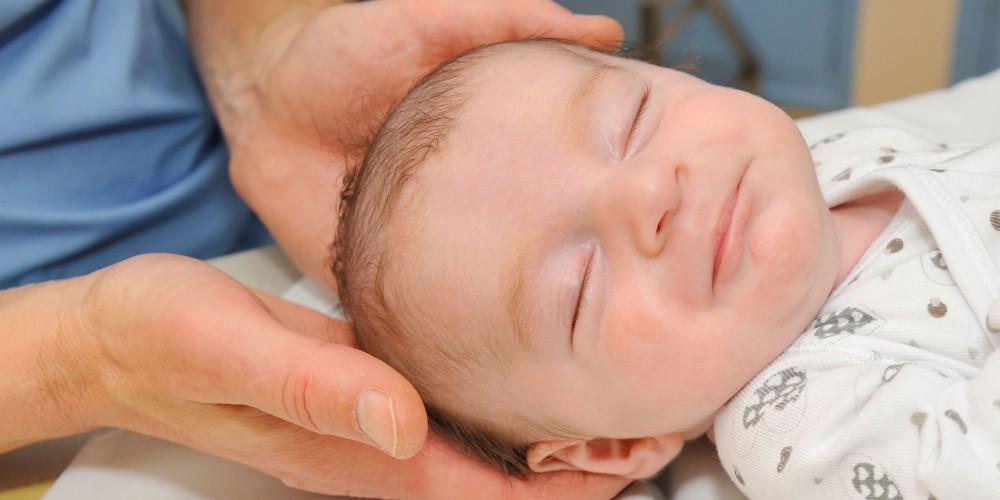ostéopathie pour rééquilibrer les nourrissons